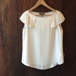 Banana Republic Women's Cream top Petite Medium